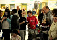emma-o-driscoll-david-wallace-turn-on-the-cresent-shopping-centre-christmas-lights-2012-i-love-limerick-08