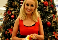 emma-o-driscoll-david-wallace-turn-on-the-cresent-shopping-centre-christmas-lights-2012-i-love-limerick-28