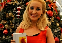 emma-o-driscoll-david-wallace-turn-on-the-cresent-shopping-centre-christmas-lights-2012-i-love-limerick-30