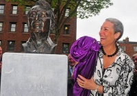 unveiling-of-frank-mccourt-statue-limerick-2