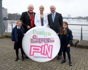 Mayor of Limerick Gerry McLoughlin, Irish International Rugby Player Joy Neville, and Gerry Boland. Front Row- Left to Right: Aoibheann ni Choileain and Lucy ni Fhaircheallaigh, (3rd class, Gaelscoil an Raithin). Photo by Michael Martin Photography.