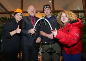 Mark Quinn with Mayor Gerry McLoughlin, Deirdre Mangaoang, Mdecins Sans Frontires and Orlaith Foley, Headstrong.
