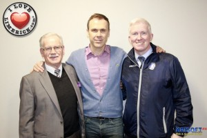 Richard Lynch with Pat O Sullivan and John O Sullivan of Limerick FC. Picture: Chris Luszczki