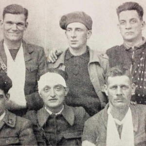 Joe Ryan (centre of back row) and Frank Ryan (back right) with International Brigade colleages. All were injured at Jarama.