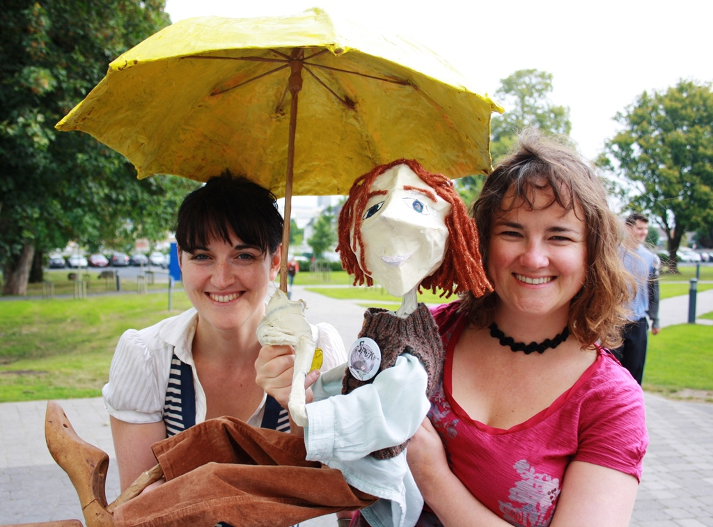 "Weave your way to ""Spun"" children's puppet theatre production"