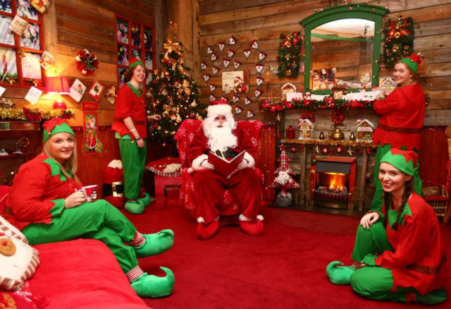 The Santa Experience 2015 booking now open for Dunnes Stores Festive Family Adventure