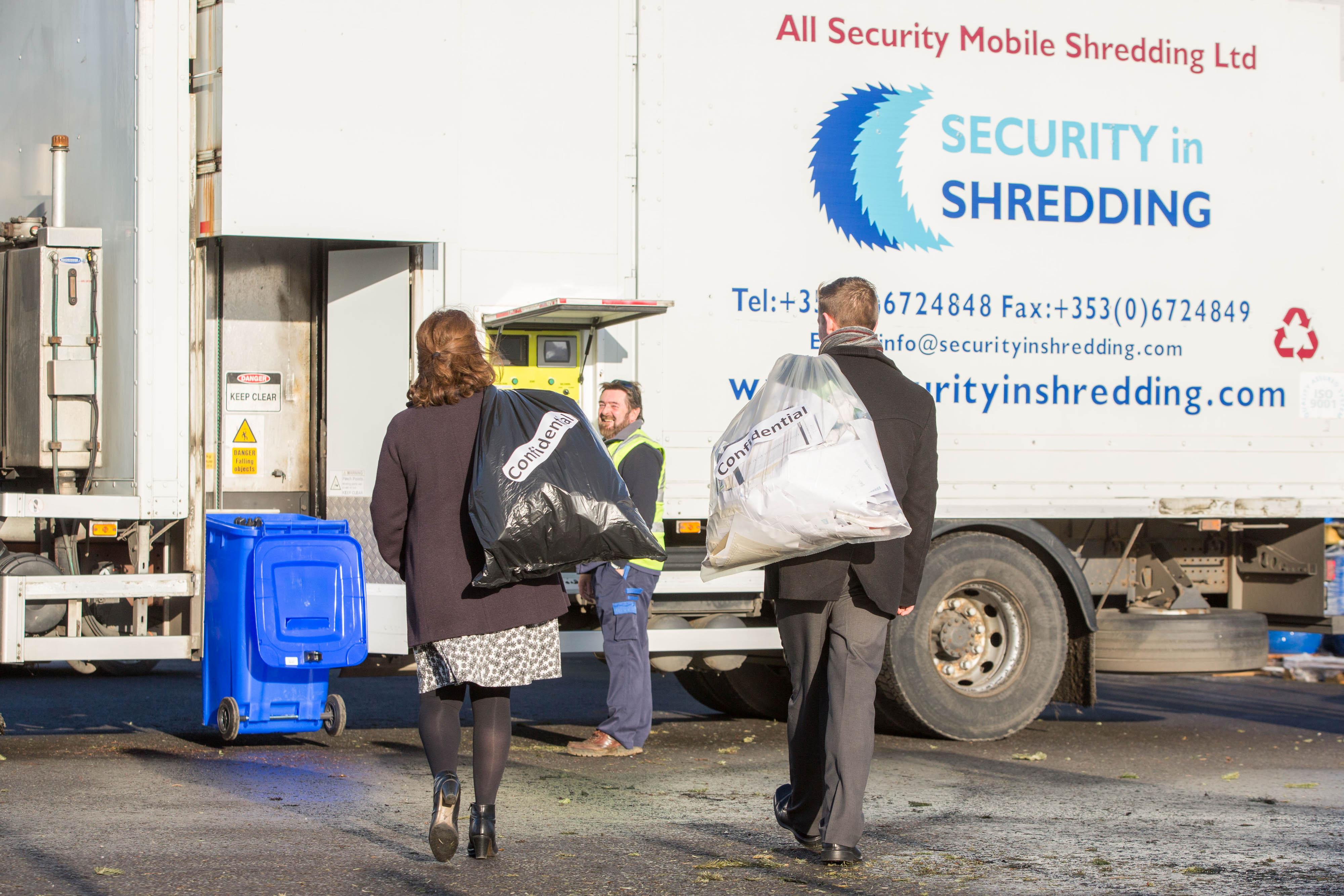 Confidential Shred LCCC 022[1] Limerick Confidential Paper shredding event