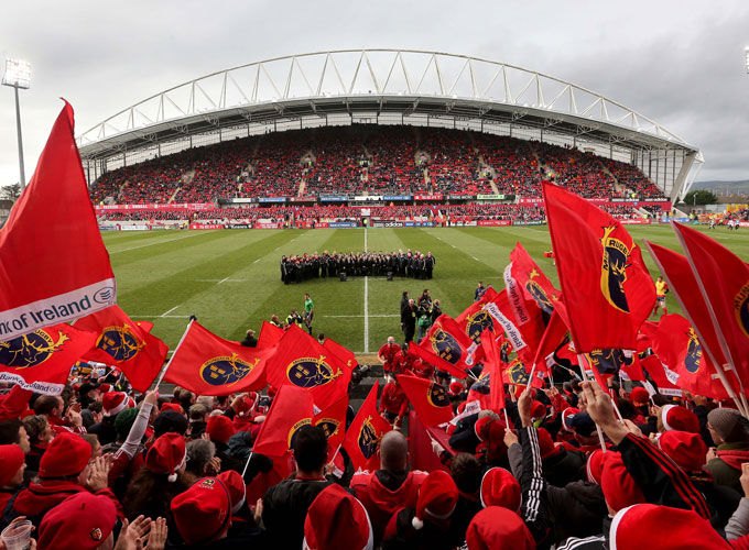 Munster Players support Headway campaign