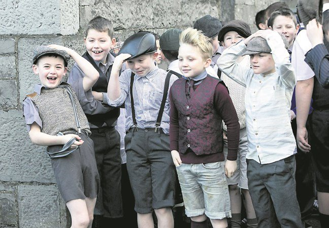 St Patricks National School enact 1916 walk