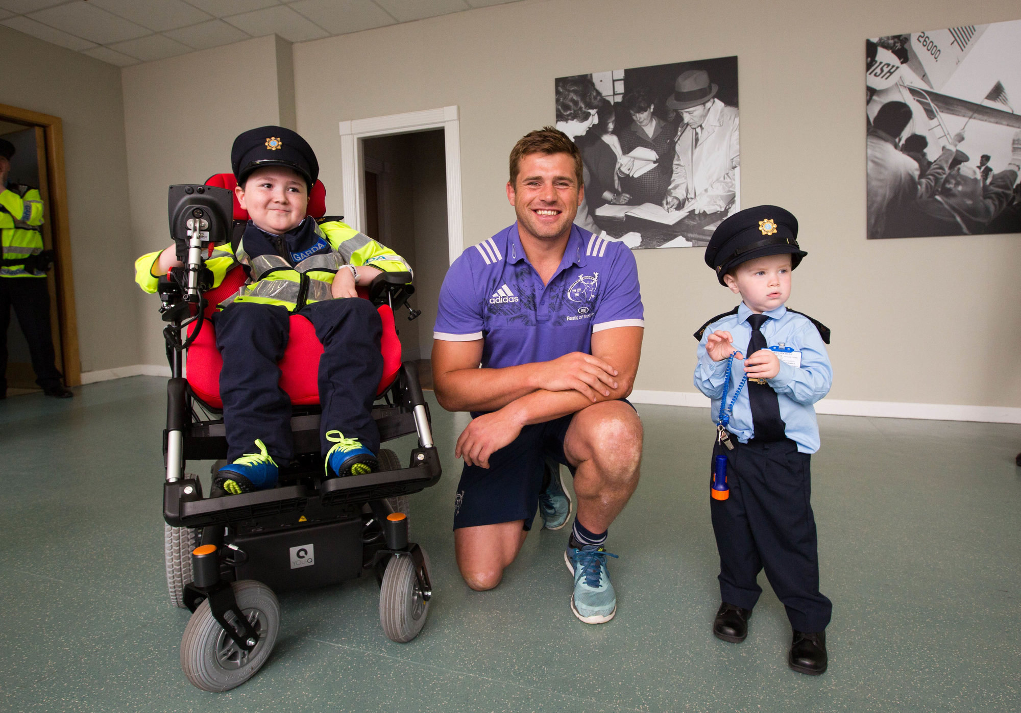 CJ Stander Shannon Airport surprise for two young garda