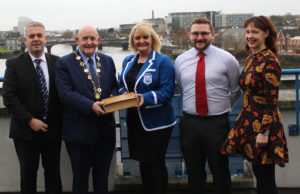 Shannon Rowing Club donates archive