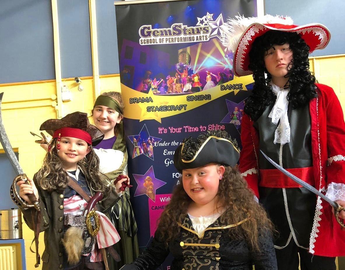 gemstars present pirates
