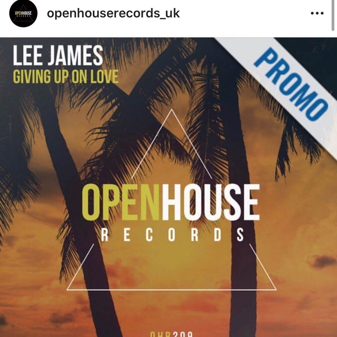 Lee James