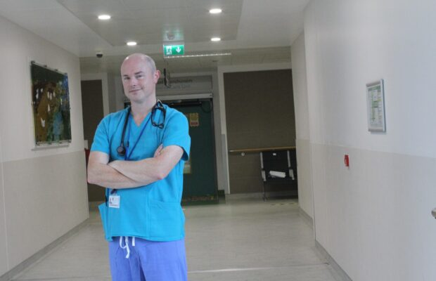 UHL consultant anaesthesiologists