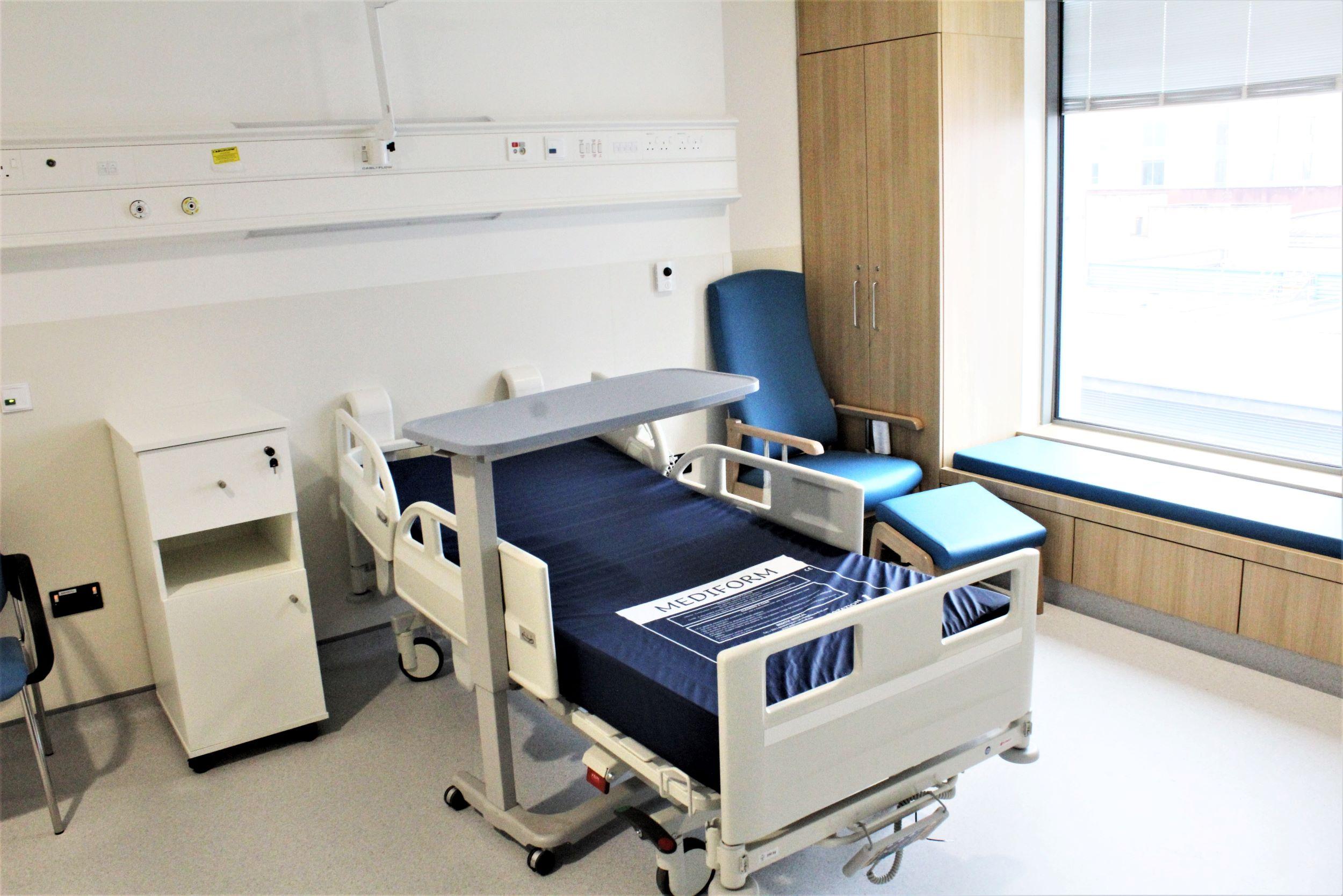 UHL 60 Bed Block
