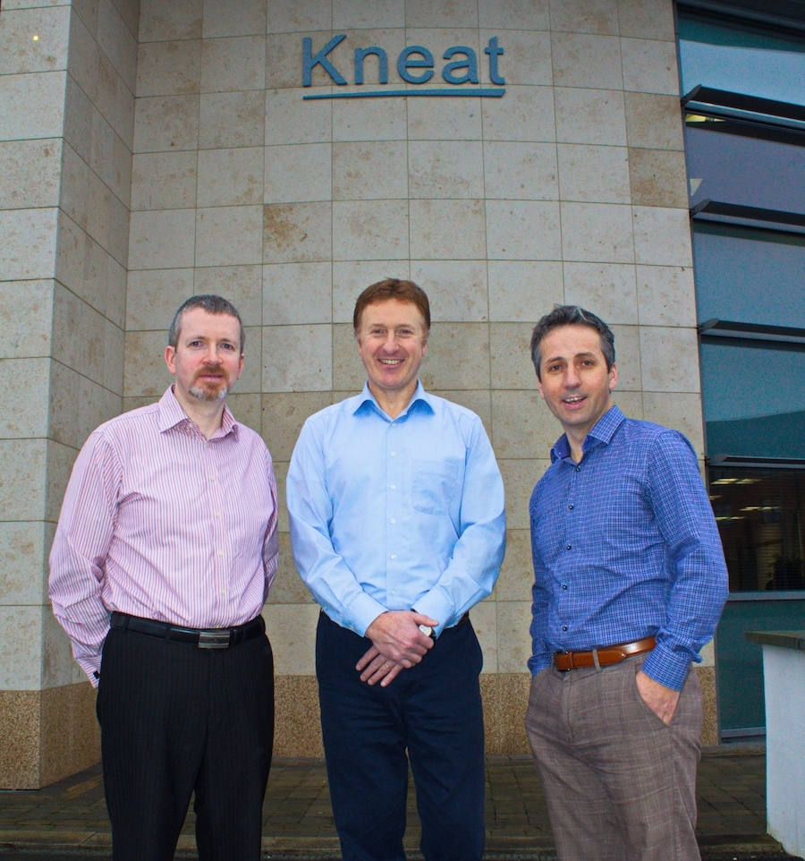 Kneat