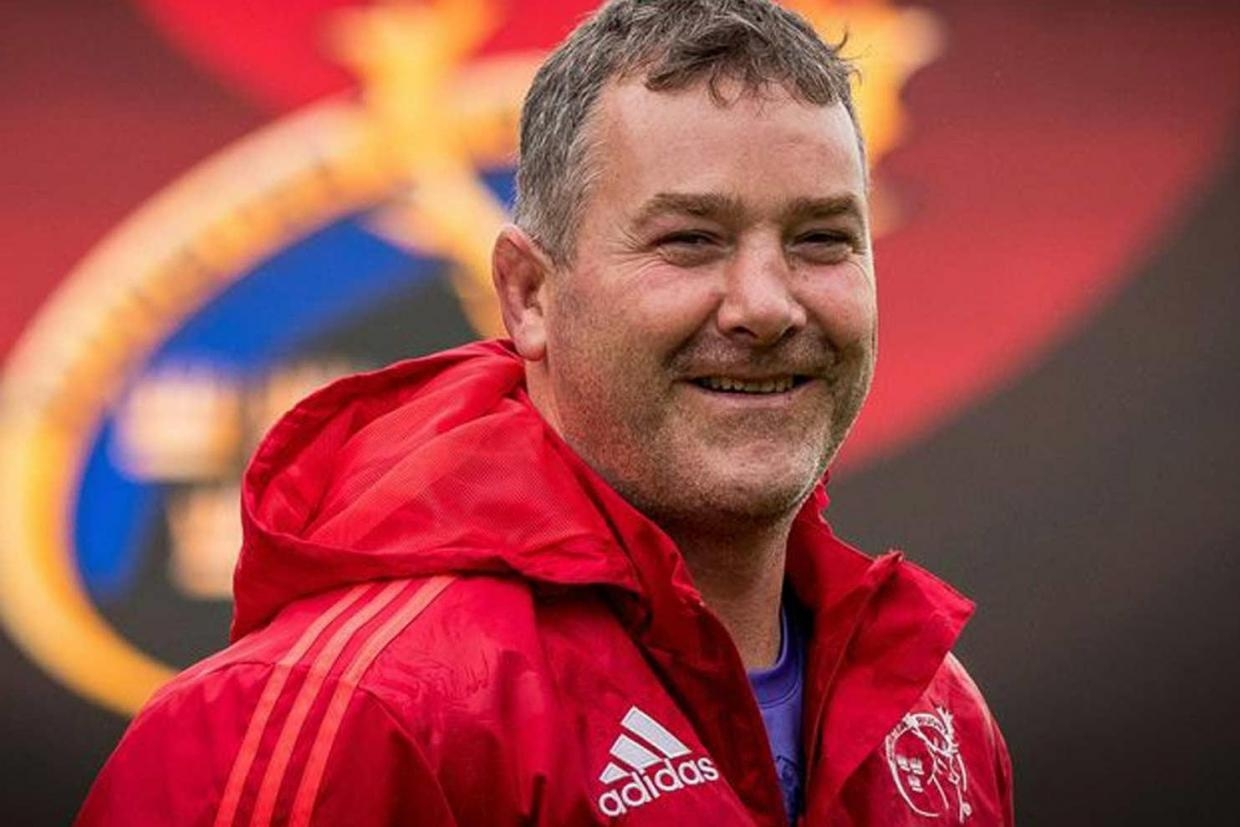 Stand up and move Anthony Foley played rugby in the number eight jersey for Munster and Ireland before becoming Munster's head coach in 2014.