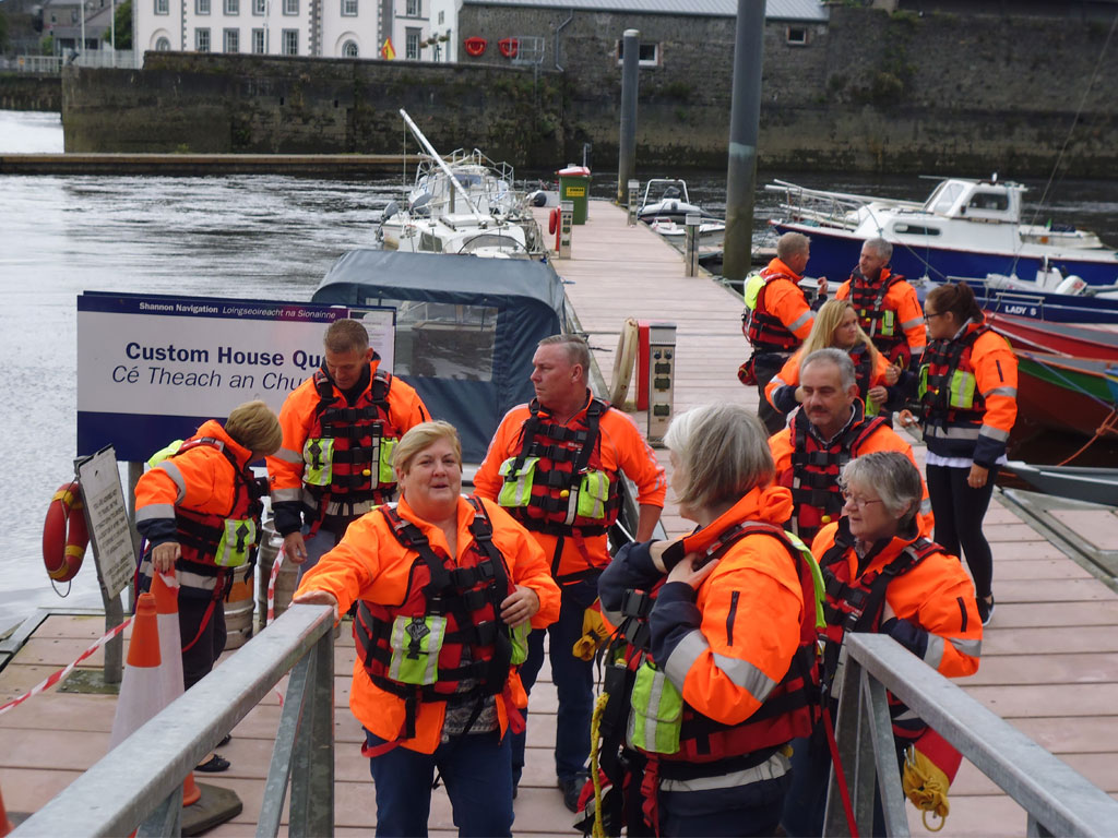 limerick suicide watch outreach service The team patrols the banks of the River Shannon four nights a week on Monday, Tuesday, Thursday and Saturday nights, including nights such as Christmas and New Years Eve.