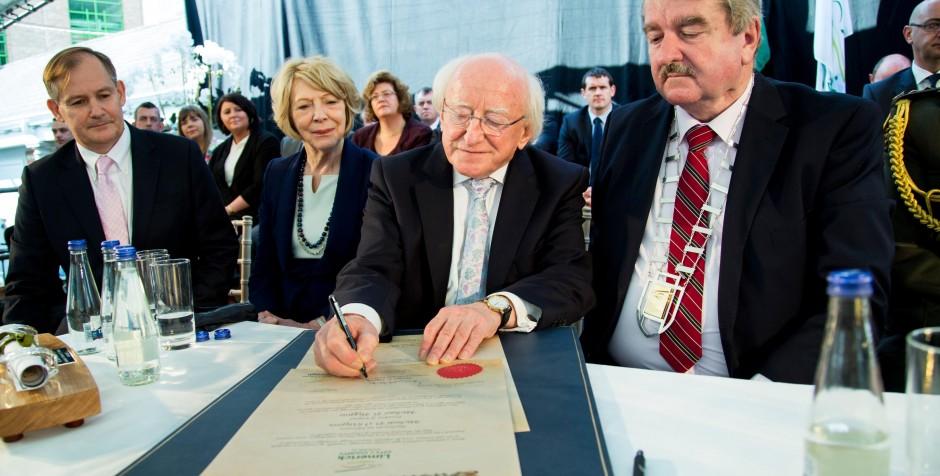 PHOTO & VIDEO – President Michael D Higgins Freedom of Limerick
