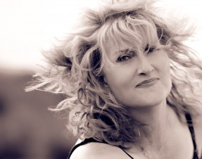 Eddi Reader will play the Lime Tree Theatre on February, 20 Friday.