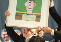 29.09.14         NO REPRO FEE President of Ireland, Michael D Higgins, has become the first recipient of the honour of Freedom of Limerick following a ceremony in Limerick City this afternoon. Pictured is President Michael D Higgins with an artwork painted by the late Jack Donovan which was presented to him by Cathaoirleach Kevin Sheahan. Milk Market, Limerick. Picture credit: Diarmuid Greene / Fusionshooters