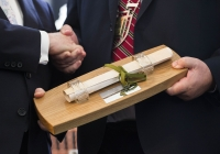 29.09.14         NO REPRO FEE President of Ireland, Michael D Higgins, has become the first recipient of the honour of Freedom of Limerick following a ceremony in Limerick City this afternoon. Pictured is President Michael D Higgins, left, being presented with his scroll, which sits in a light oak casket crafted by local woodturner John Ryan from Ballyneety, Co. Limerick, by Councillor Kevin Sheahan, Cathaoirleach, Limerick City and CountyCouncil. Milk Market, Limerick. Picture credit: Diarmuid Greene / Fusionshooters