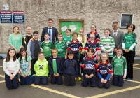 04/06/2015 St Brigid's NS were awarded their 5th Green Flag and Limerick manager TJ Ryan and Limerick hurler Kevin Downes were on hand to help the students raise the flag. Pictured are the Green Schools Committee along with Limerick hurling manager TJ Ryan and Limerick hurler Kevin Downes as well as teachers Niamh Lanigan, Tanya Lynch, and vice-principal Linda O'Reilly. St Brigid's NS, Singland, Limerick. Picture credit: Diarmuid Greene