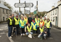 03.04.15  NO REPRO FEE Paul O'Connell, AP McCoy and JP McManus kick-start the Team Limerick Clean-Up (TLC). Over 10,000 volunteers hit the streets of Limerick City and County for the country's biggest ever Clean-Up. Limerick senior hurler Donal O'Grady joined Team Limerick Clean-Up volunteers from Ballingarry, Co. Limerick. Picture credit: Diarmuid Greene/Fusionshooters